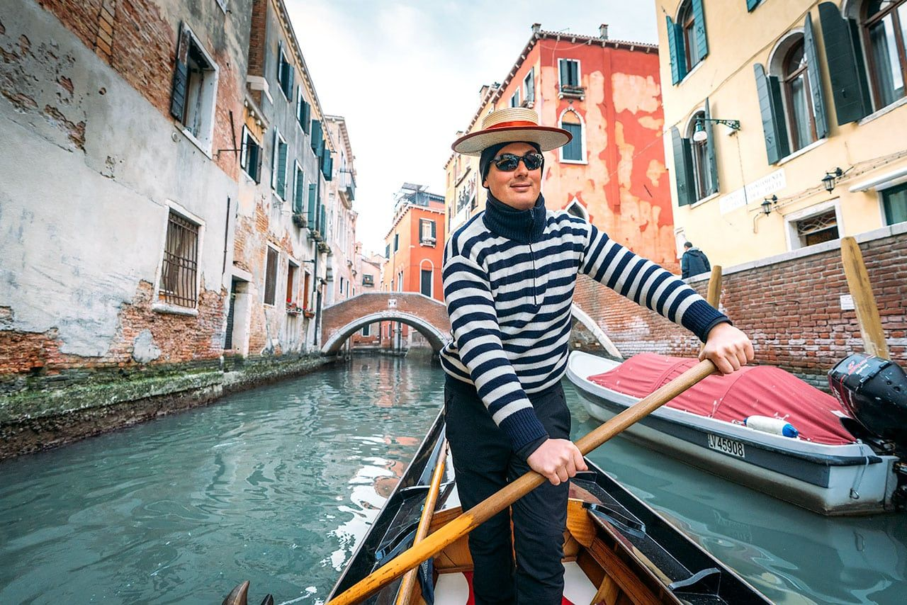 Photo of Tips For Renting A Gondola In Venice, Italy (Plus Some History)
