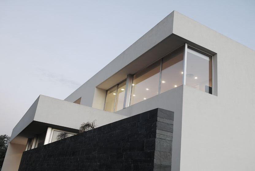 Pilar House