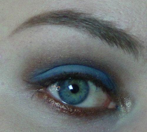 Dragon Born Eyeshadow Matte Medium Blue with by pumpkinandpoppy