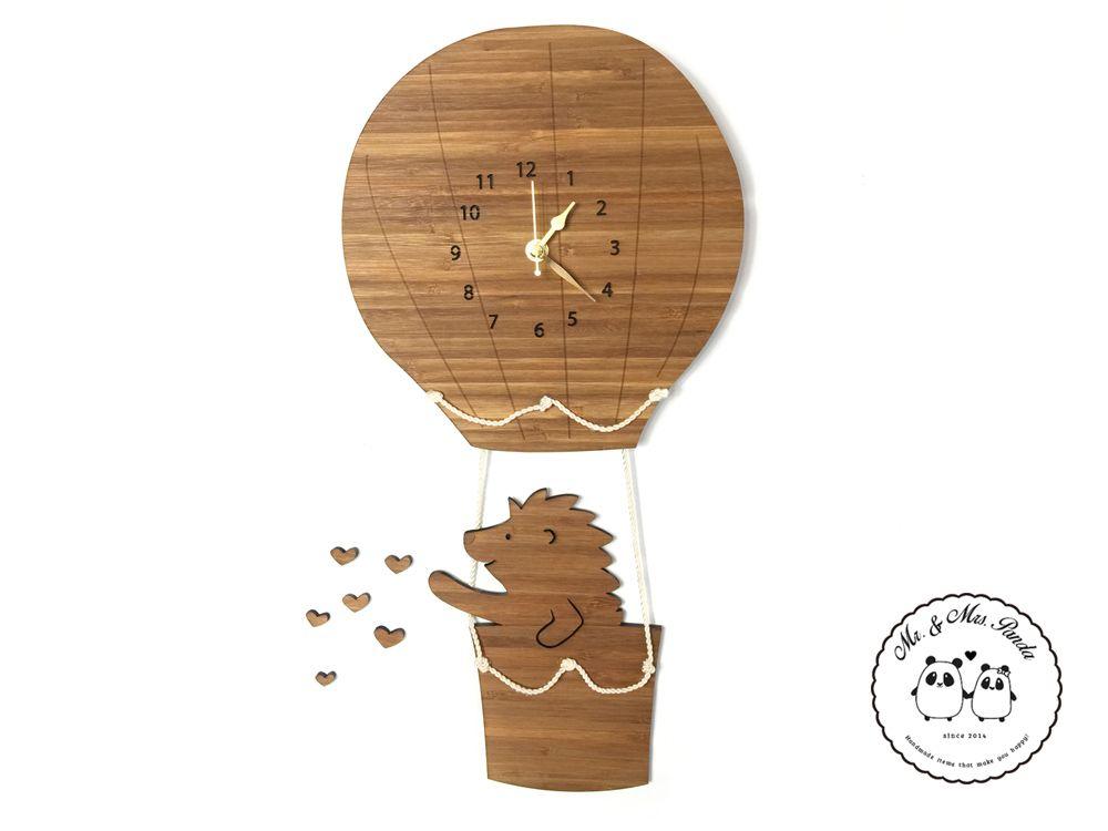 Wanduhr igel im hei luftballon aus bambus coffee das original von mr mrs panda unsere - Besondere wanduhren ...