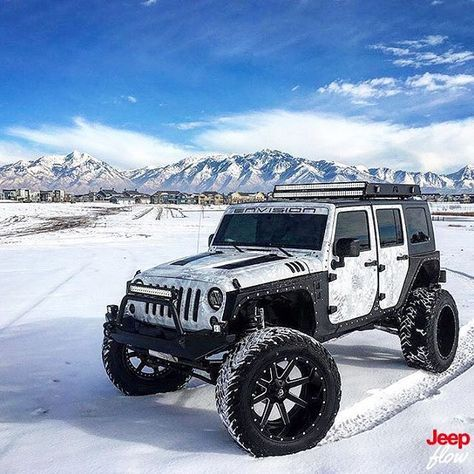 Blacked Out Jeep Wrangler >> Check out this Jeep snow monster! (With images) | Dream cars jeep, Jeep unlimited, Jeep