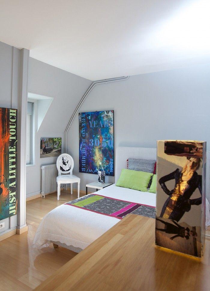 Du gris clair sur le murs et quelques touches de couleurs by Michele - quelle couleur mettre dans une chambre