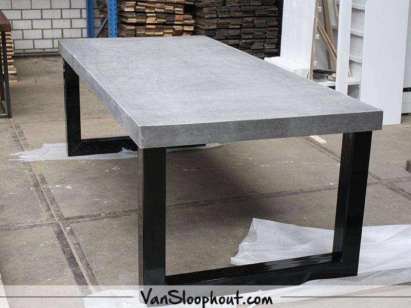Beton Tafel Buiten : Beton nero tafelblad met een u frame gepoedercoat zwart. ideale
