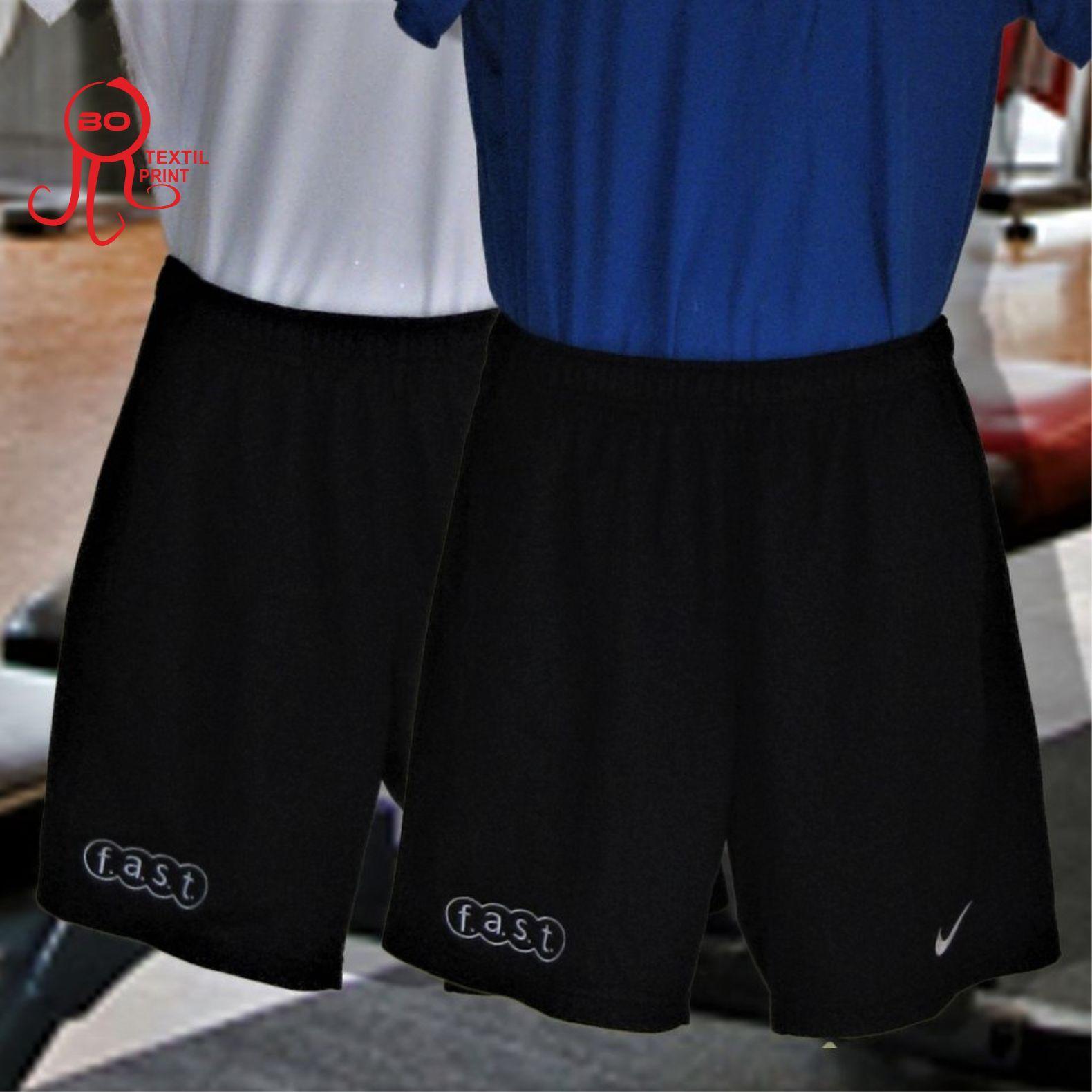 Pantalones cortos de deporte con bordados. www.botextilprint.es   botextilprint  serigrafia 93783f0fa7b4a