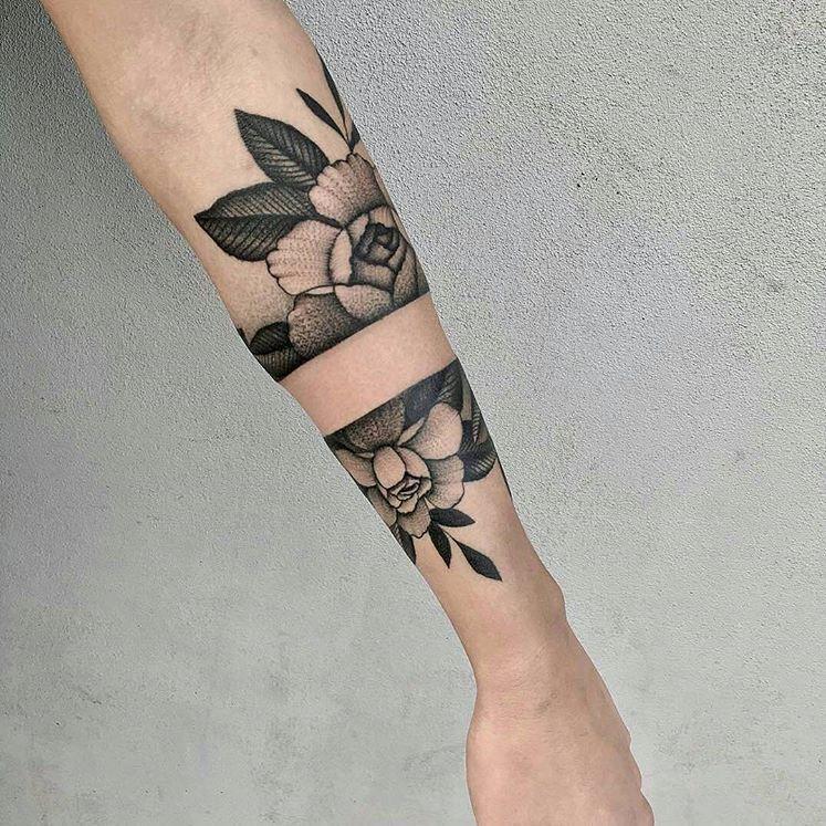 Posibles tatuajes Tatuajes Pinterest Flower arm tattoos, Arm