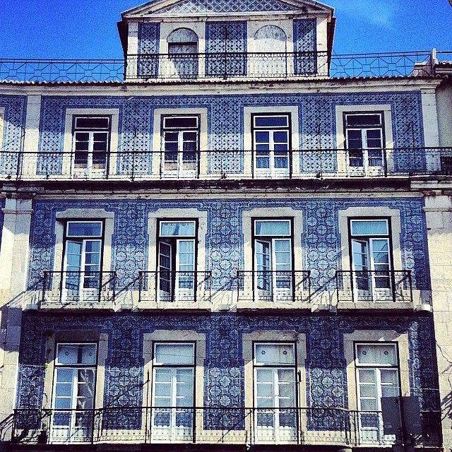 Jmvegap 39 s photo fachada en lisboa travel pinterest - Azulejos para fachadas ...