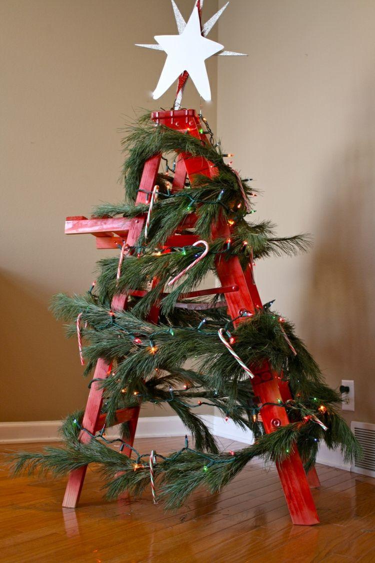Leiter Weihnachtlich Dekorieren Tannengrün Rot Stern Weihnachtsbaum Ersatz  #weihnachtsdeko #ideen #christmas #ideas