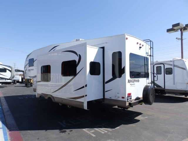 2016 New Forest River ROCKWOOD 8285 IKWS, 3 SLIDES, REAR RECLINER CHAIRS  Travel Trailer