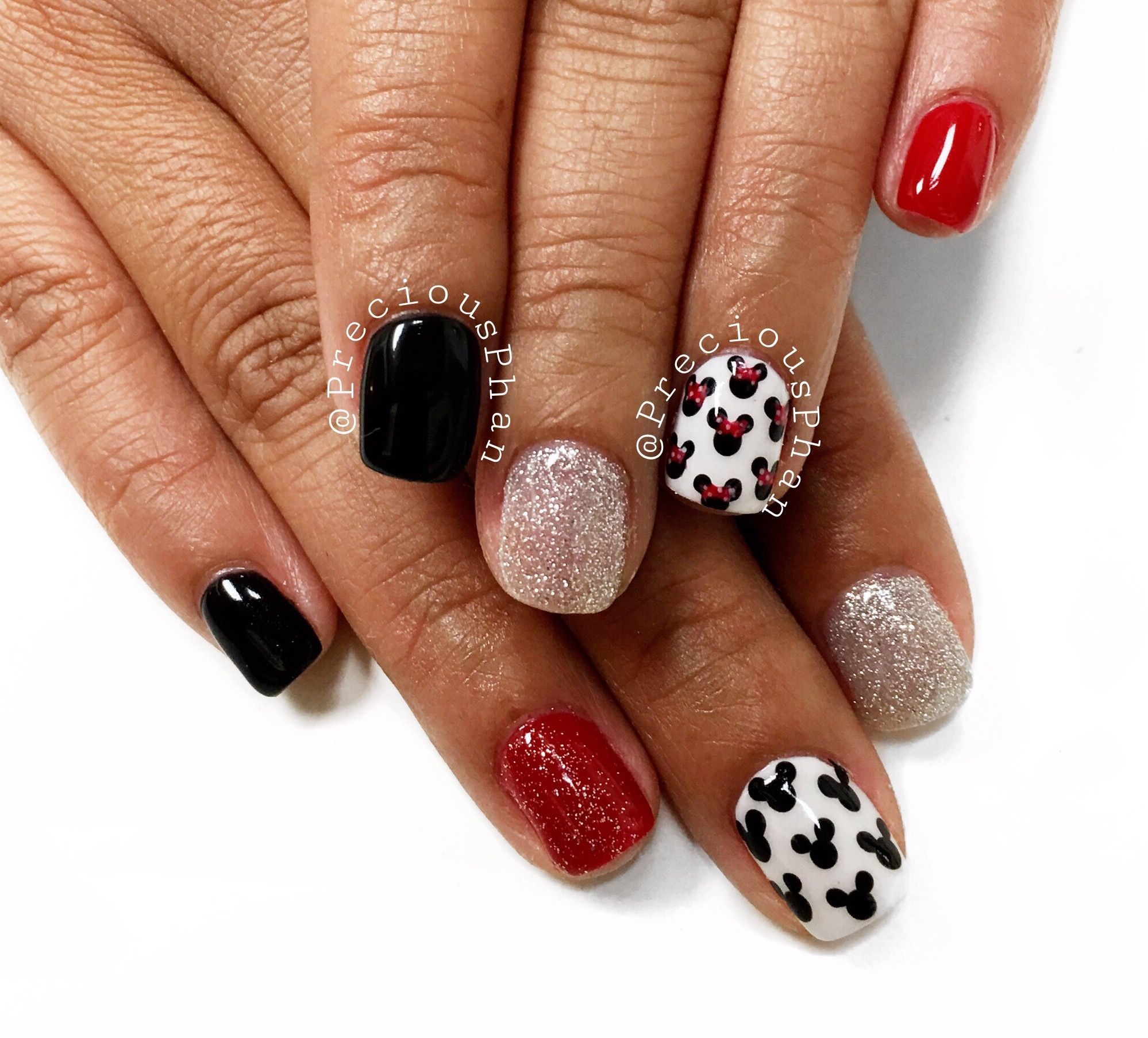 Mickey Mouse, Minnie Mouse nails. Disneyland nails. Red white and ...