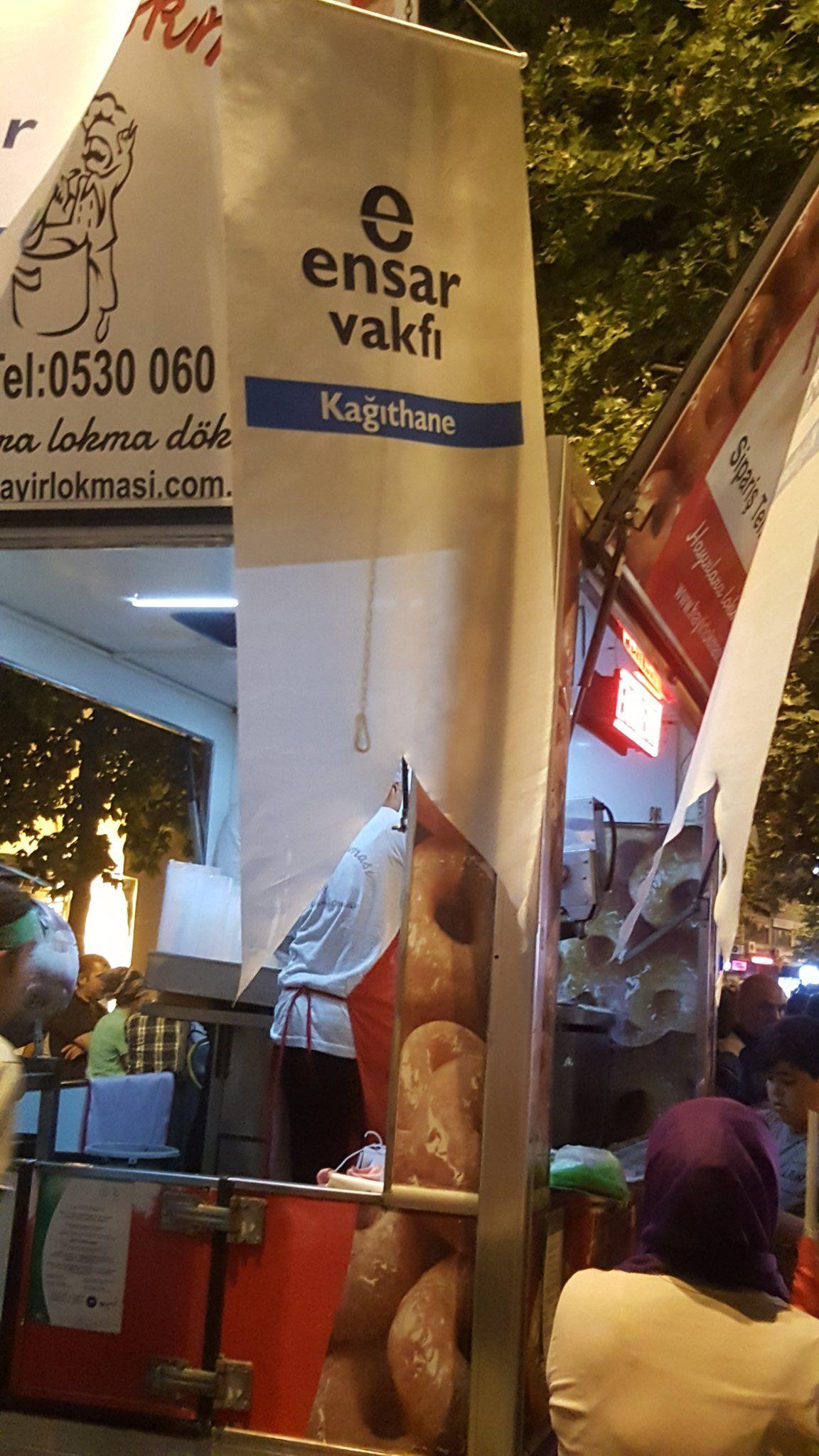 RT @ensarkagithane: Biz Meydanlari sevdik meydanlarda bizi bu millete ne yapsak azdır. Nöbetler bitene kadar onların emrindeyiz. https://t.co/YVjjzcQgZi