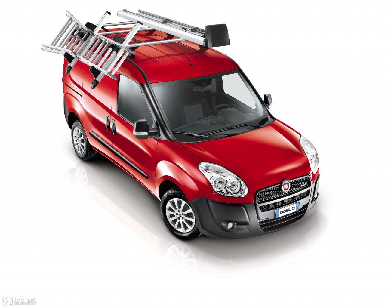 Fiat Doblo Bilder Der Van Mit Den Grossen Schiebeturen Fiat Doblo