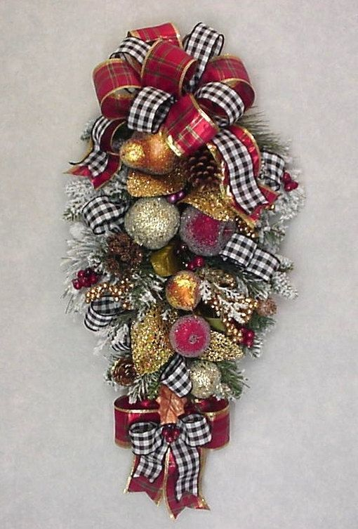 WILLIAMSBURG CHRISTMAS SWAG faux sugared by CKSEASONALWREATHS