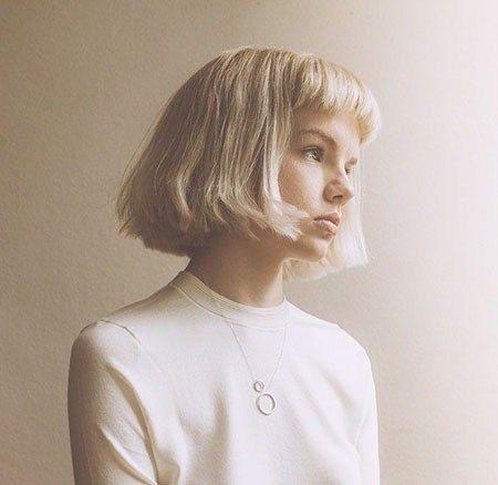 24 capelli biondi corti con la frangetta – Acconciature da signora