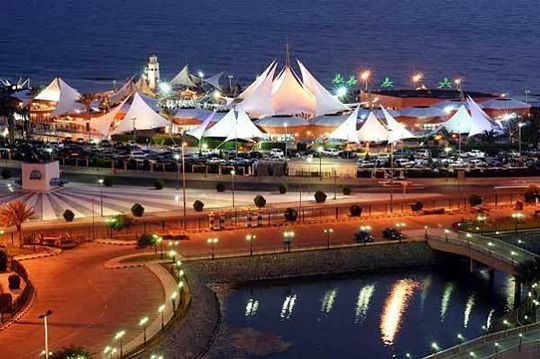 Family Afternoon In Jeddah Discover Sail Island Best Water Attraction In Jeddah Jeddah Beautiful Places To Travel Sailing