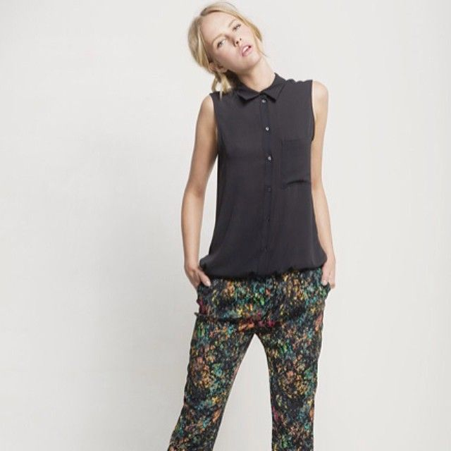 May has arrived. #Mexx #fashion #trend #print #spring #summer #collection #model #photography #blouse #trousers