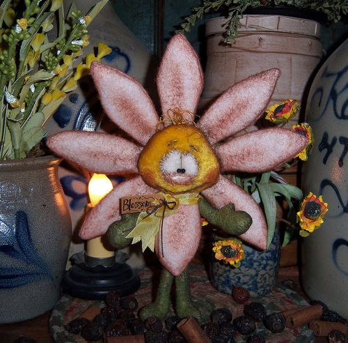"""Primitive Raggedy Ann Ornie Daisy Wool Flower 7"""" Bear Doll ★ Vtg Patti's Ratties"""