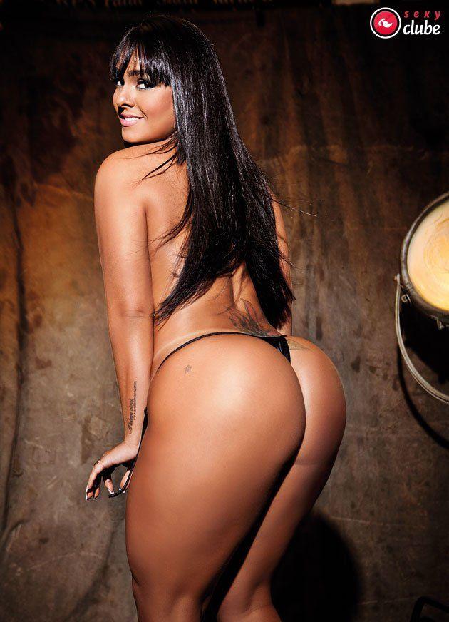 gajas a tirar a roupa brasileiras nuas