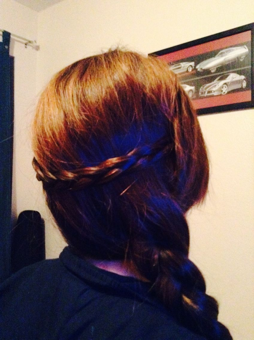 This hair style looks difficult but itus actually really easy i made