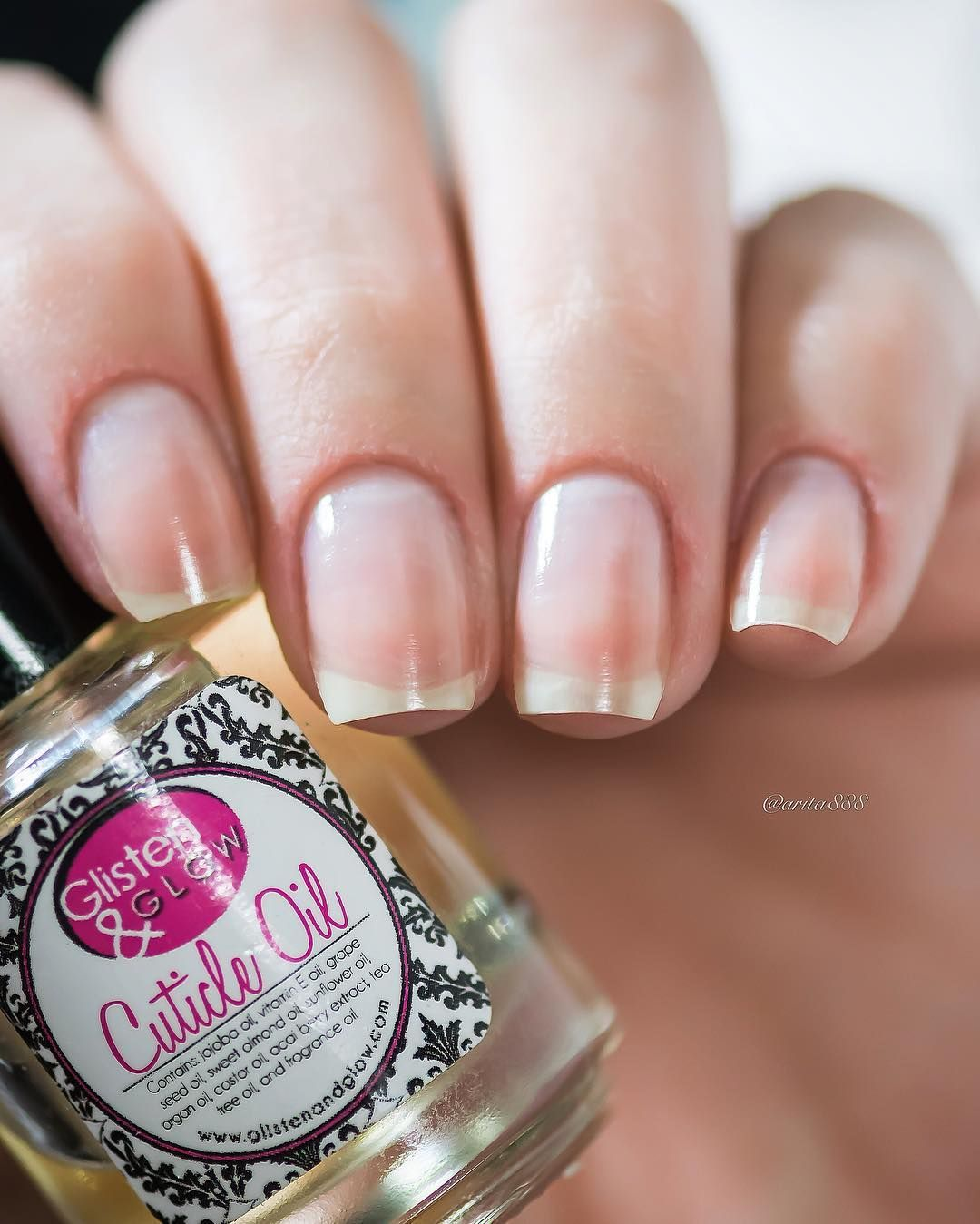 Spa for my nails After manicure and before I go I\'m using this ...