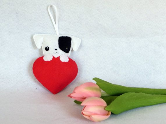 Chien kawaii, cadeau fête des mères, chien en feutrine, par IbelieveIcanfil on Etsy, kawaii dog, jack russel, mother day gift, felt dog