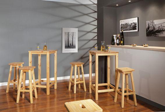 Aperitivo rustico arredo composto da tavolino alto e sgabello