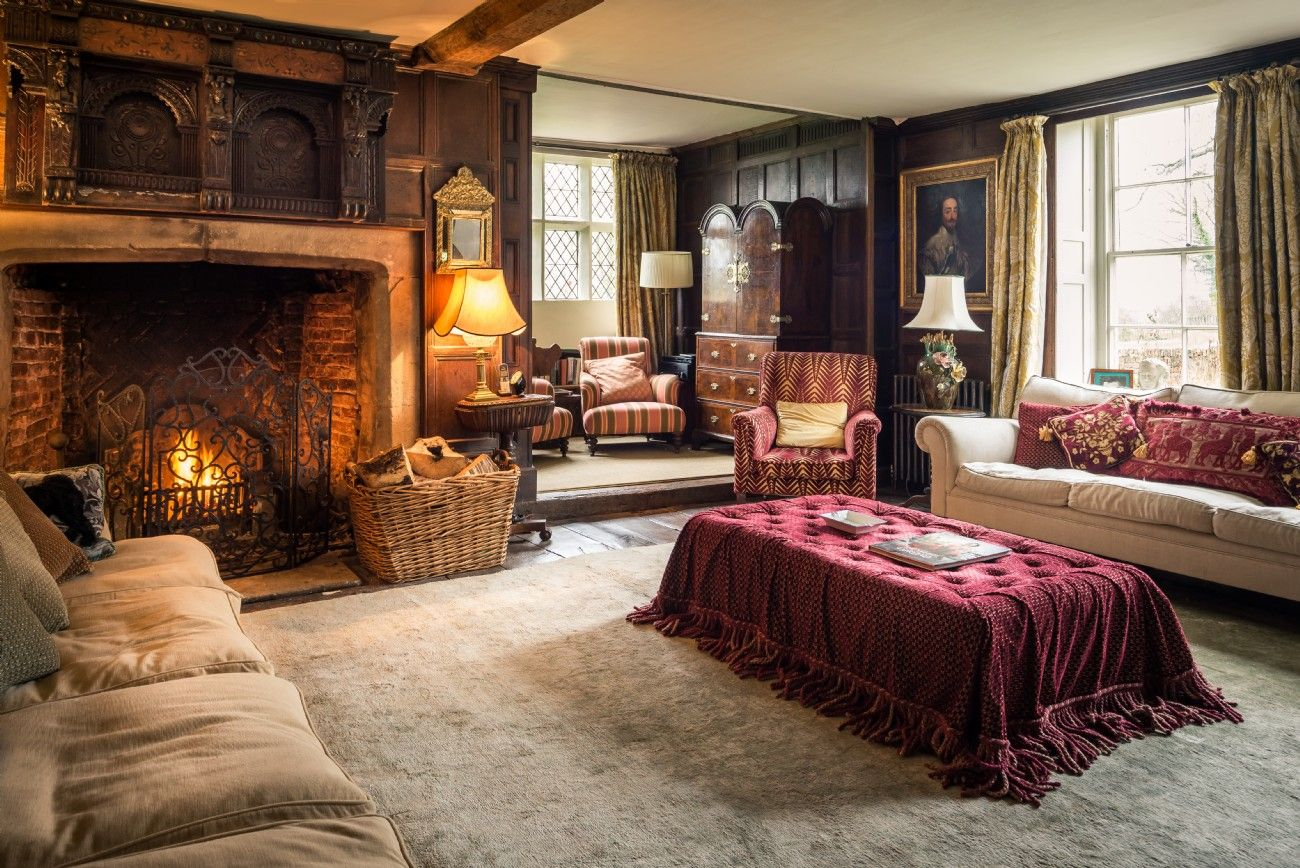 Harlequin Manor Shropshire, Hire Large Selfcatering Manor
