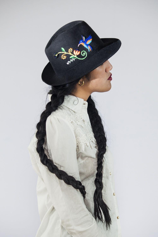 Sombrero mod. Fedora con bordado inspirado en la libertad del ...