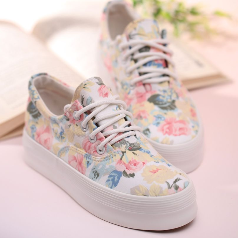 Floral Print Thick Soled Canvas Sneaker