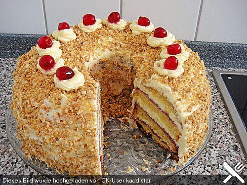 Frankfurter kranz occasion cakes frankfurter kranz for Kuchen volker hosbach