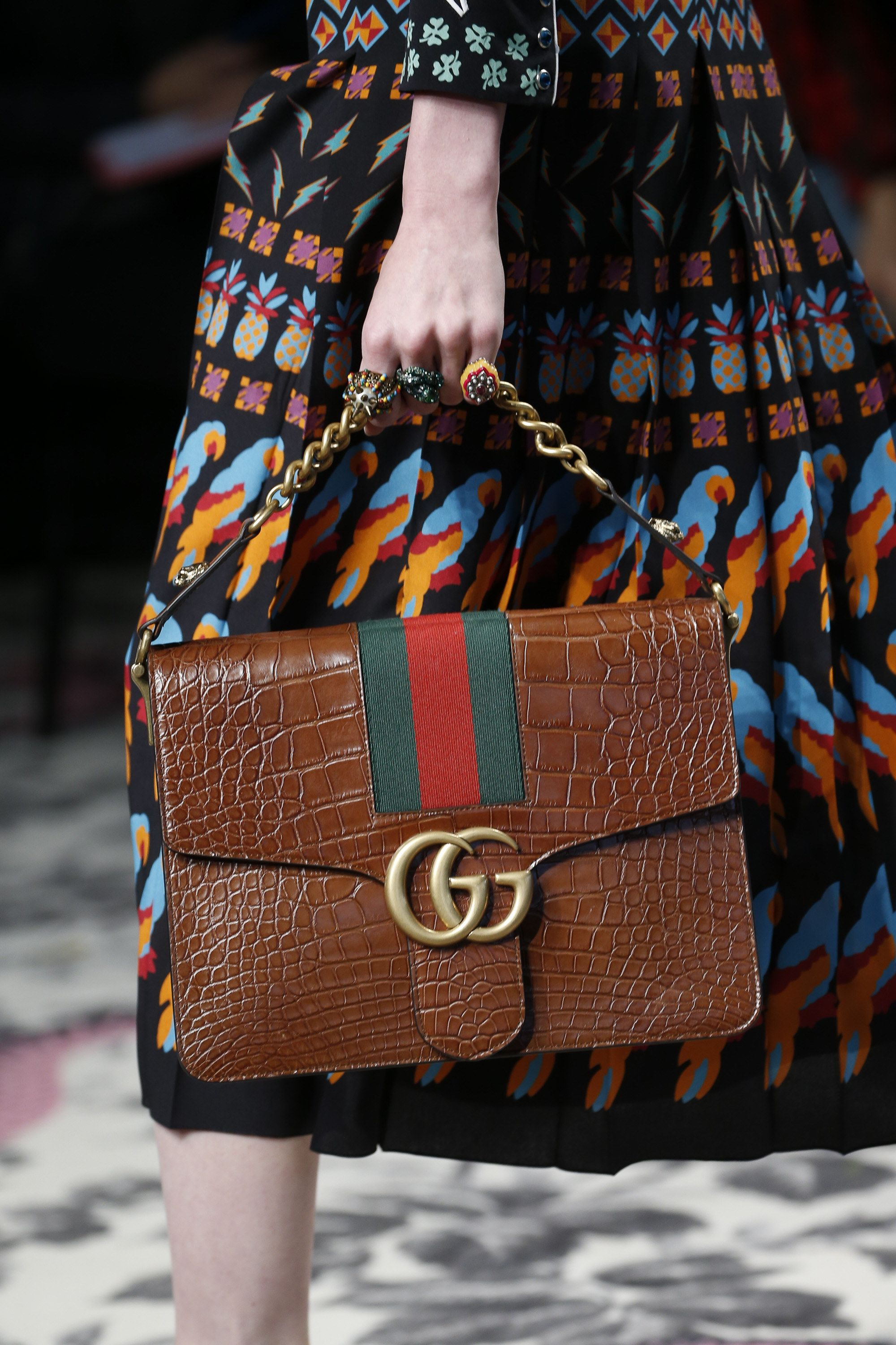 936817a2d7e7 Gucci Spring 2016 Ready-to-Wear Fashion Show   Bags