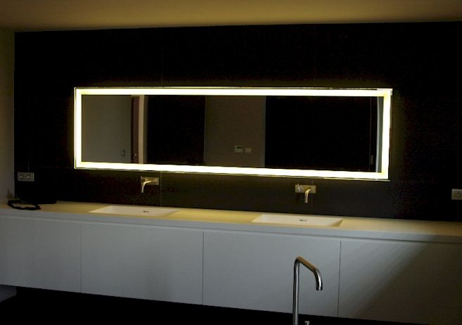 Spiegel Led Verlichting : Badspiegel led ablage badezimmer luxury badspiegel d illusion led