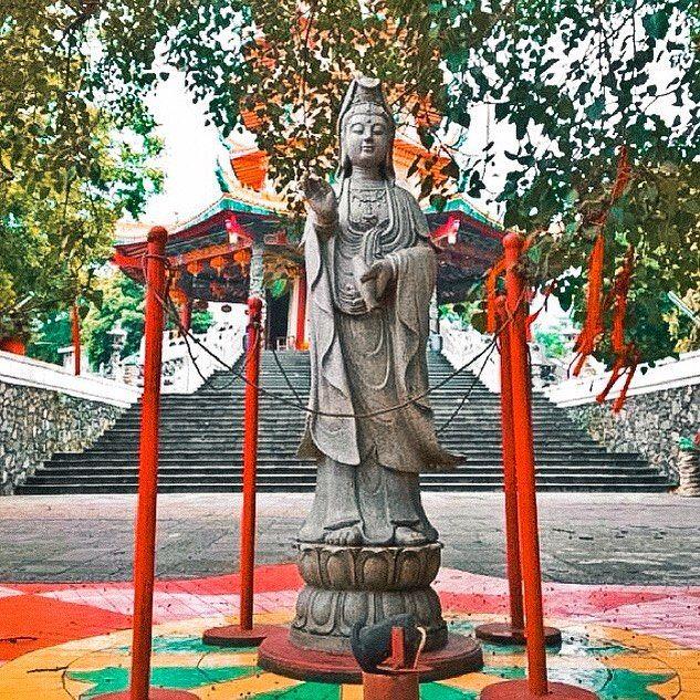 Vihara Buddhagaya Watugong semarang indonesia travel