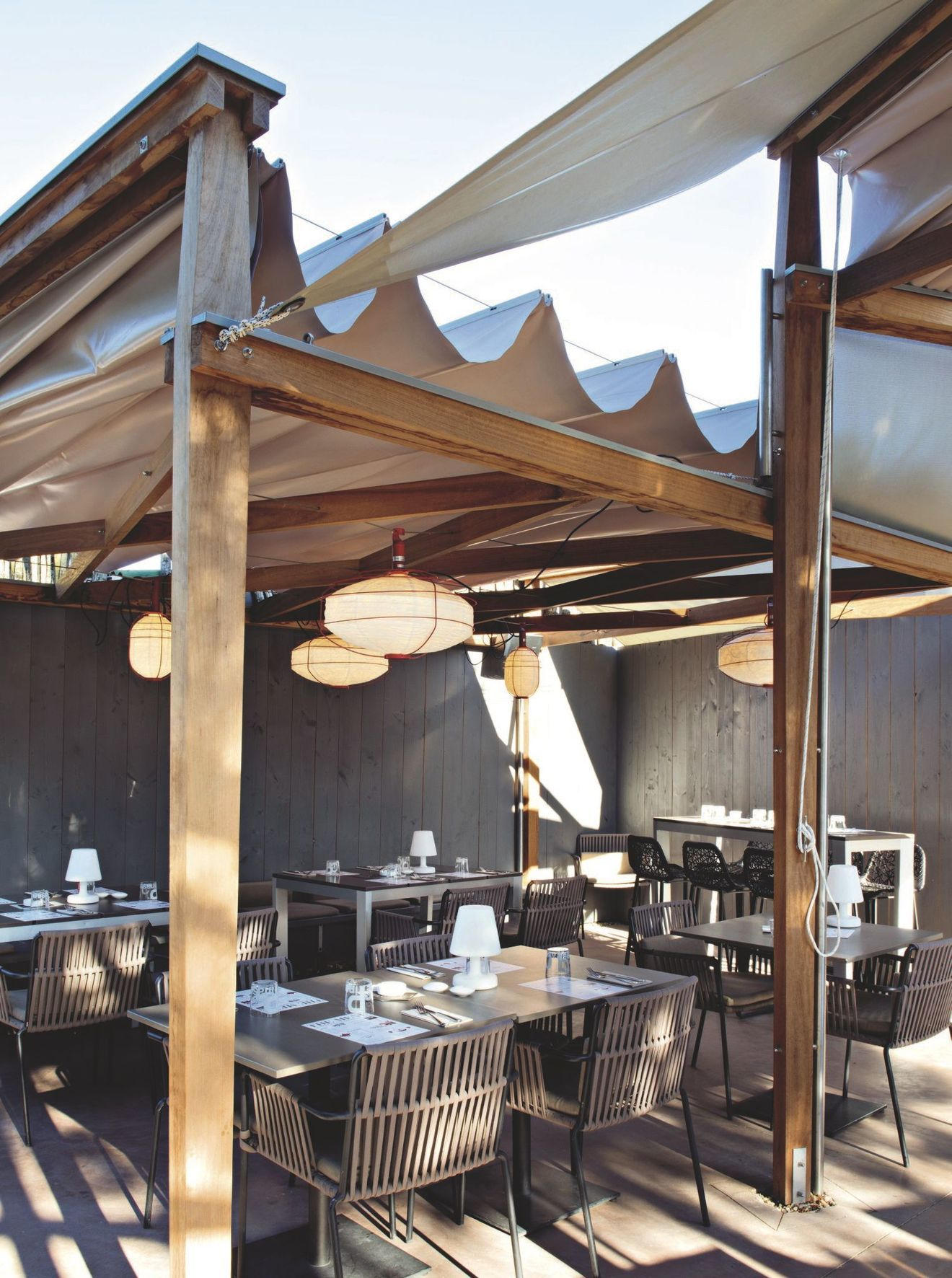 Terrasse Couverte Avec Pergola Canisse Voile Restaurer