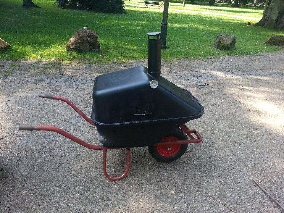 barbecue grill smoker wheelbarrow diys pinterest. Black Bedroom Furniture Sets. Home Design Ideas
