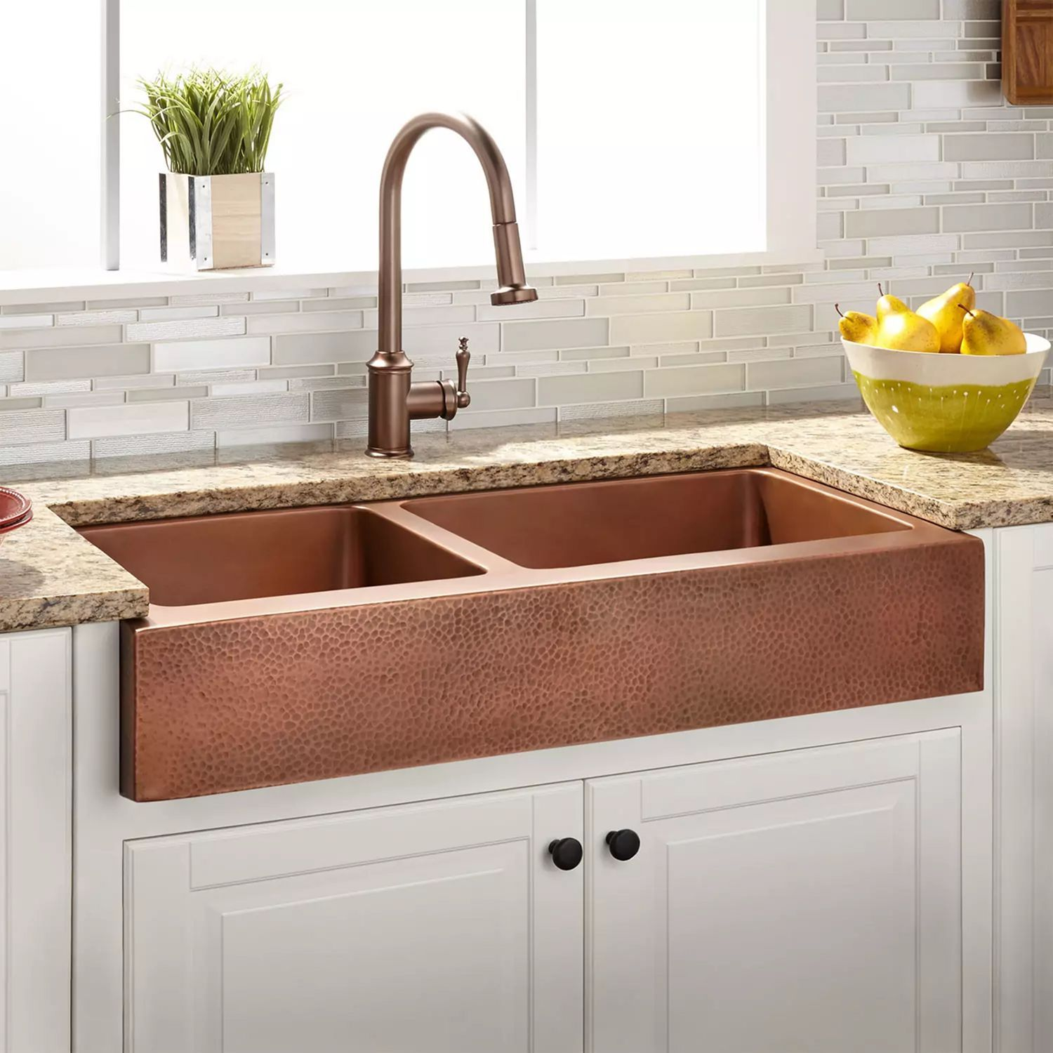 12 Awesome Kitchen Sink Design Ideas For Comfortable Kitchen Copper Farmhouse Sinks Farmhouse Sink Kitchen Farmhouse Sink