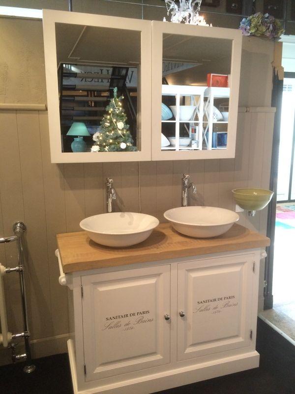 waschtisch wei mit eine naturholz platte die badem bel bei richhome ist auf waschtische und. Black Bedroom Furniture Sets. Home Design Ideas