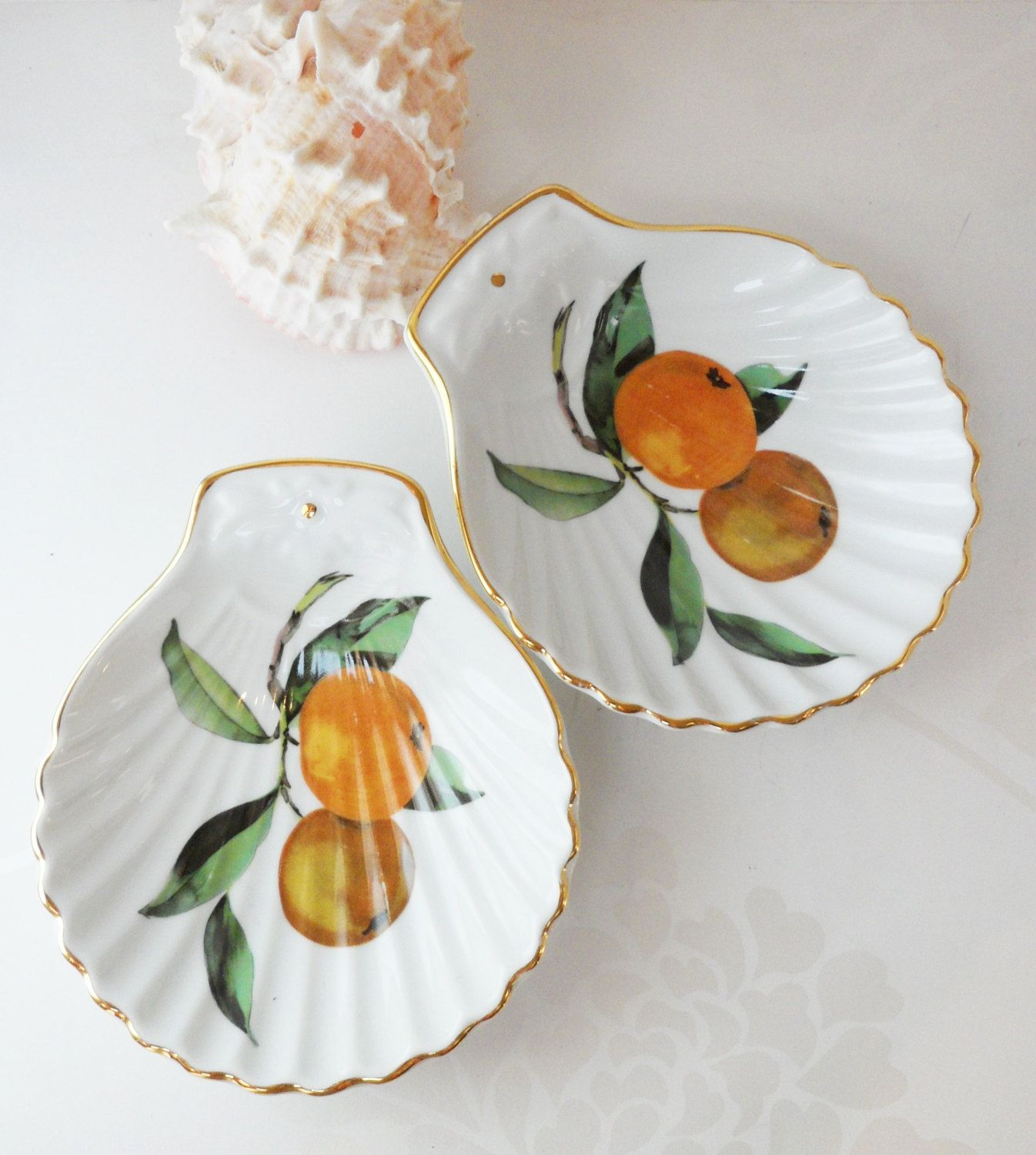 Nice Royal Worcester Clam Shell Dish Pair Evesham Gold Pattern Vintage Porcelain  Oven To Table Ware Serving