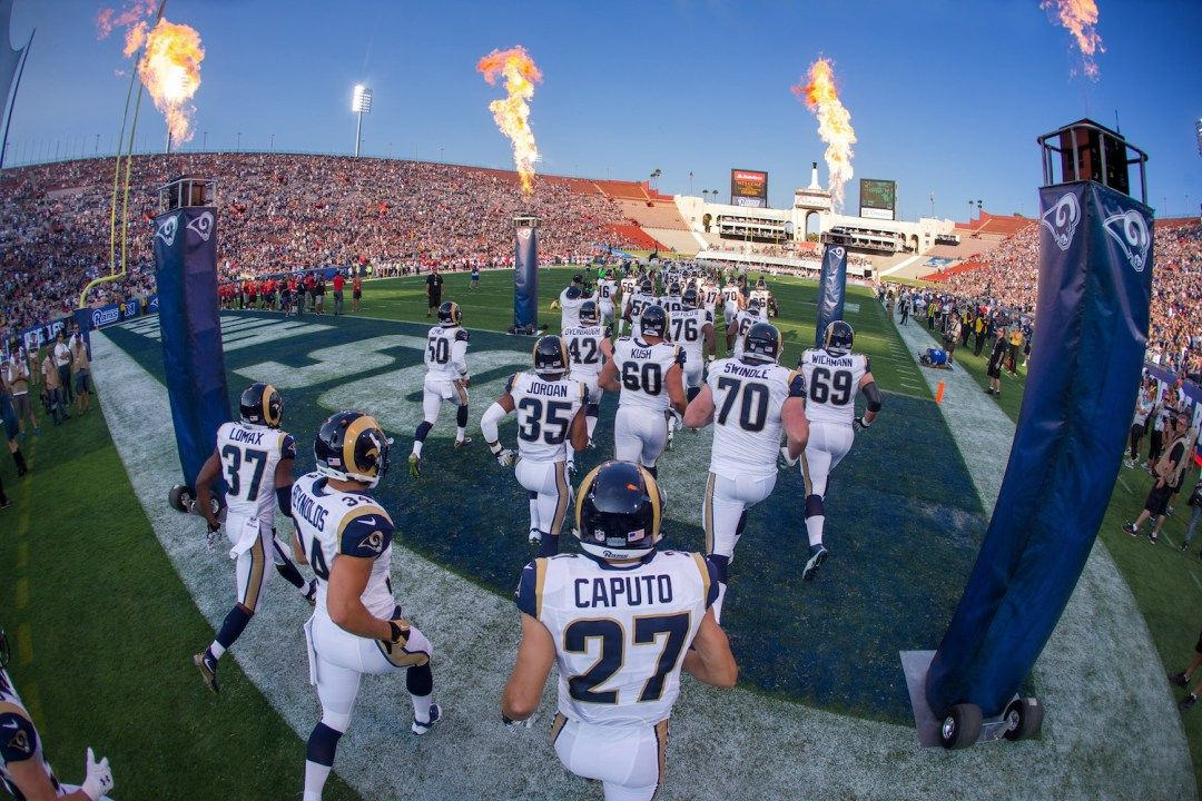 The Los Angeles Rams Run Onto The Field Before The Rams 21 20 Victory Over The Kansas City Chiefs In An Nfl Pres Nfl Preseason Training Camp Sports Photography