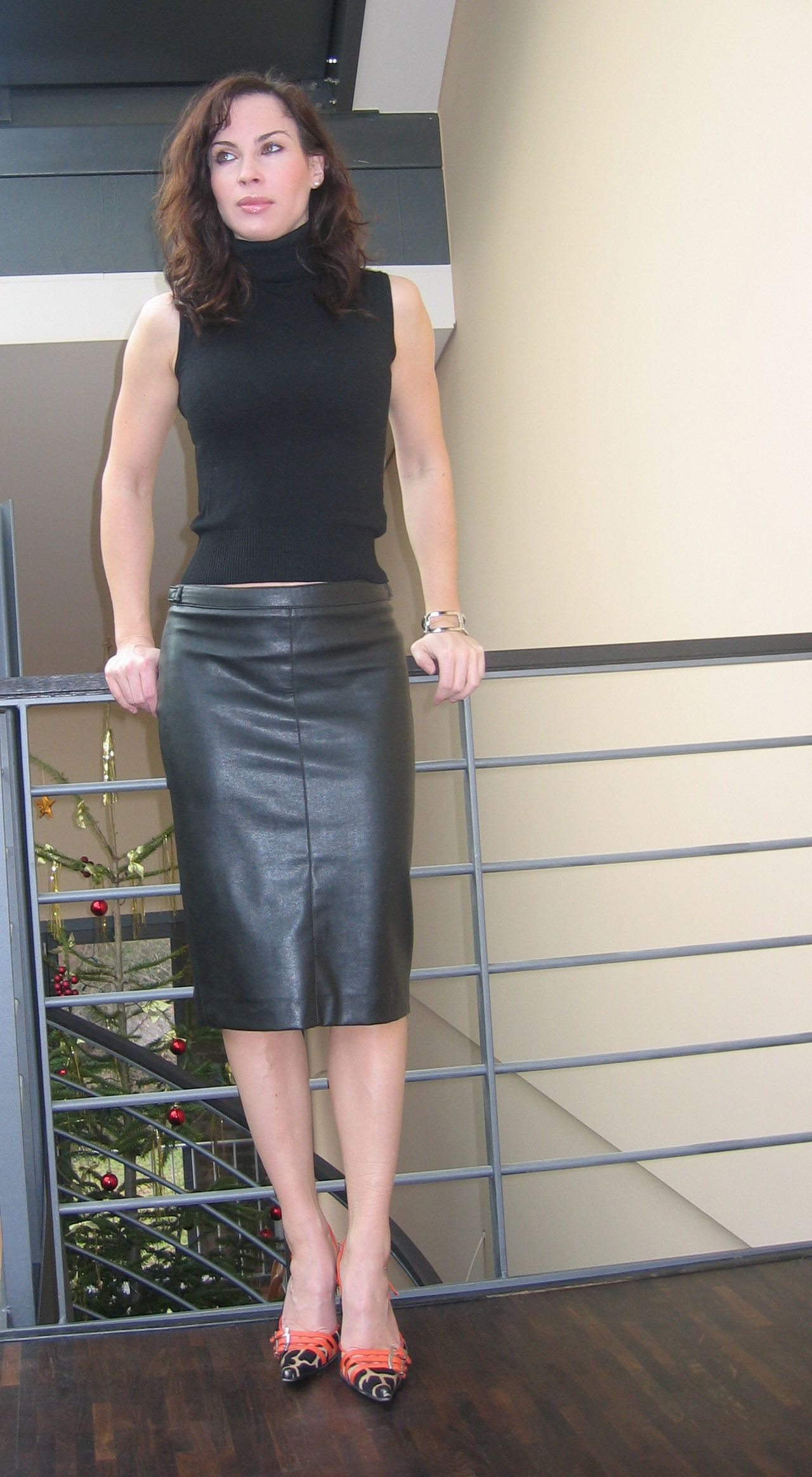 pin by hugo schmitz on leather skirt