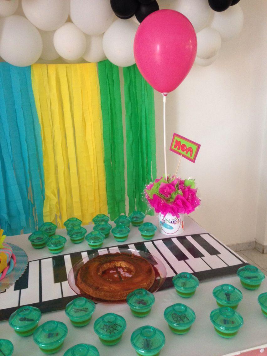 Mesa de torta fiesta infantil decoraci n musical xv - Decoracion de mesas infantiles ...