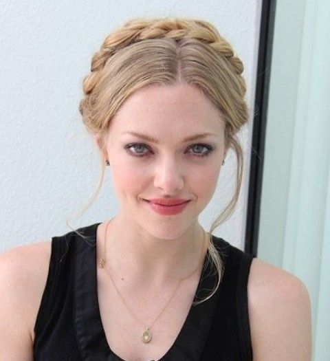 Amanda Seyfried Hairstyles: Braided Updo