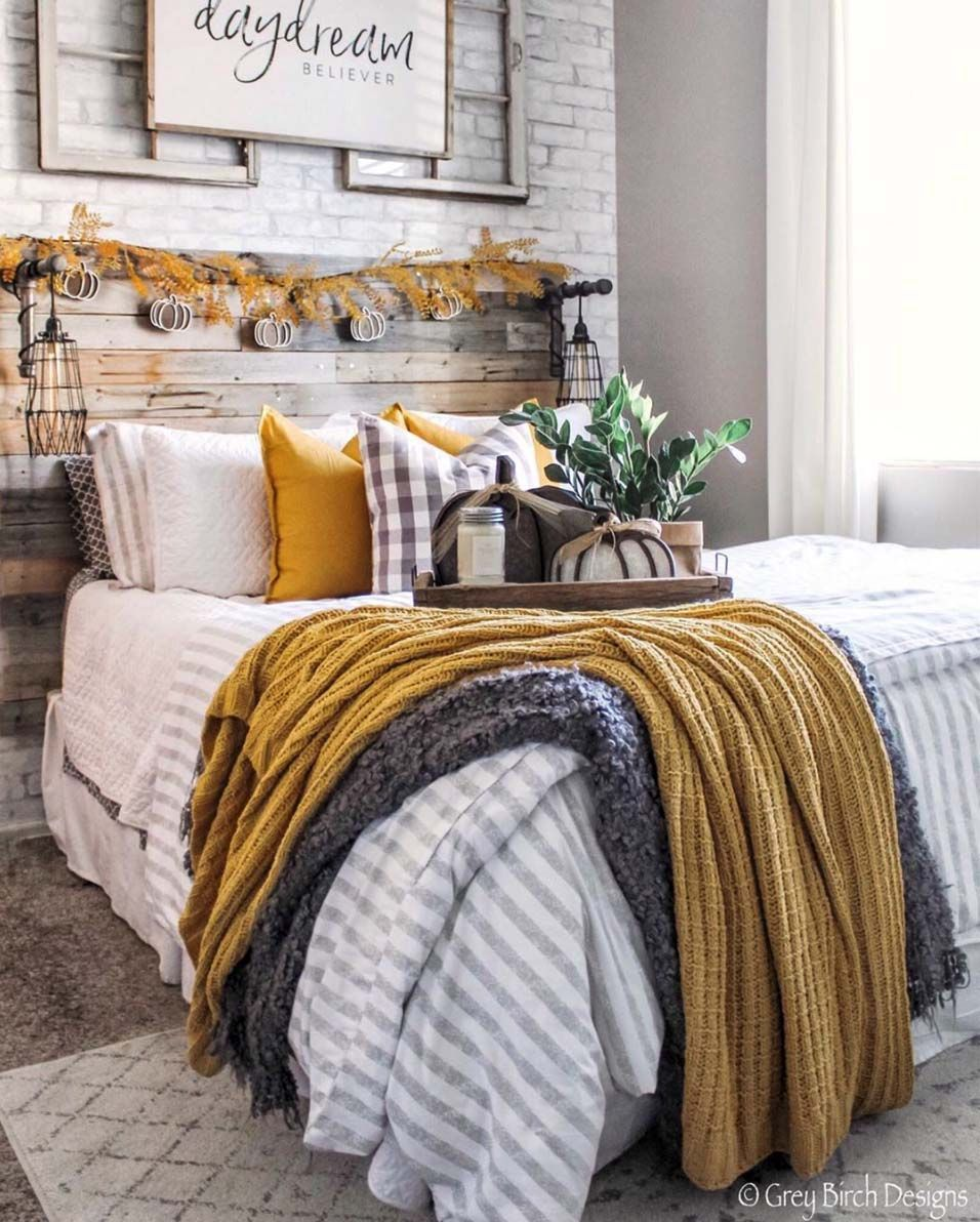 33 Fantastic Ideas To Cozy Your Home With Farmhouse Fall Decor is part of Home bedroom, Farmhouse bedroom decor, Fall home decor, Bedroom design, Bedroom decor, Home decor colors - Get some amazing ideas and inspiration for adding farmhouse fall decor into your home to help celebrate this joyous season