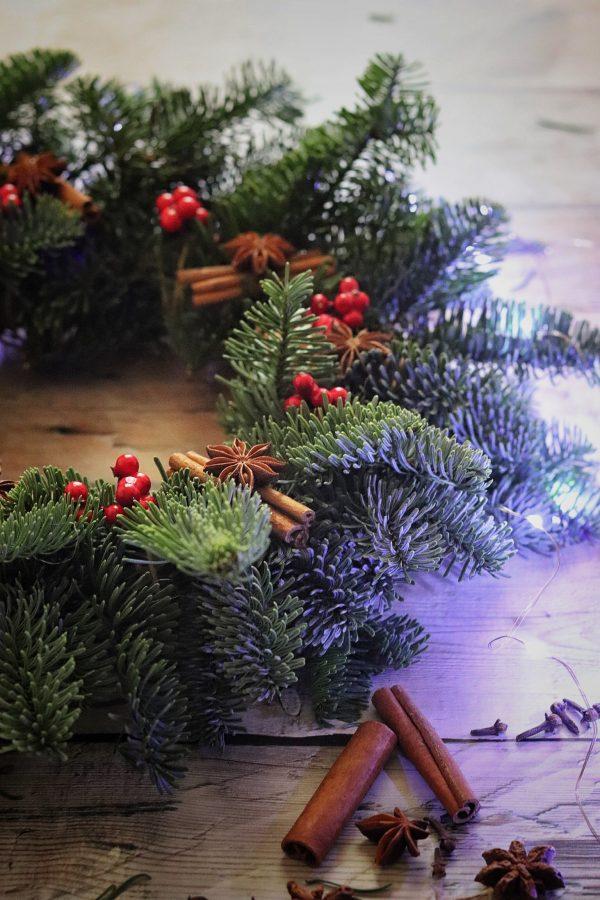Photo of Ghirlanda natalizia al profumo di cannella e anice stellato – SilviaLab
