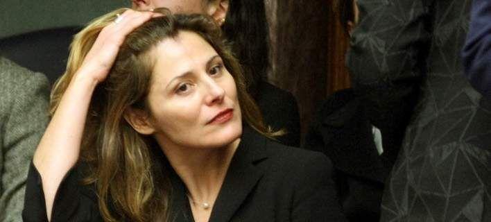 Ερώτηση βουλευτή ΝΔ: Με ποια κριτήρια πήρε η κ. Μπαζιάνα απόσπαση στο ΕΜΠ; Πηγή: Ερώτηση βουλευτή ΝΔ: Με ποια κριτήρια πήρε η κ. Μπαζιάνα απόσπαση στο ΕΜΠ;   iefimerida.gr http://ift.tt/2augc5V   Ερώτηση προς τον υπουργό Παιδείας Νίκο Φίλη για την απόσπαση της συντρόφου του πρωθυπουργού στο Εθνικό Μετσόβιο Πολυτεχνείο κατέθεσε ο βουλευτής της ΝΔ Γιάννης Αντωνιάδης. H Περιστέρα Μπαζιάνα πήρε απόσπαση από το Πανεπιστήμιο Δυτικής Μακεδονίας στο Εθνικό Μετσόβιο Πολυτεχνείο. Σύμφωνα με τις…
