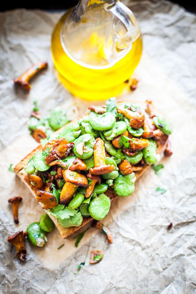 Chantarelles & fava beans bruschetta