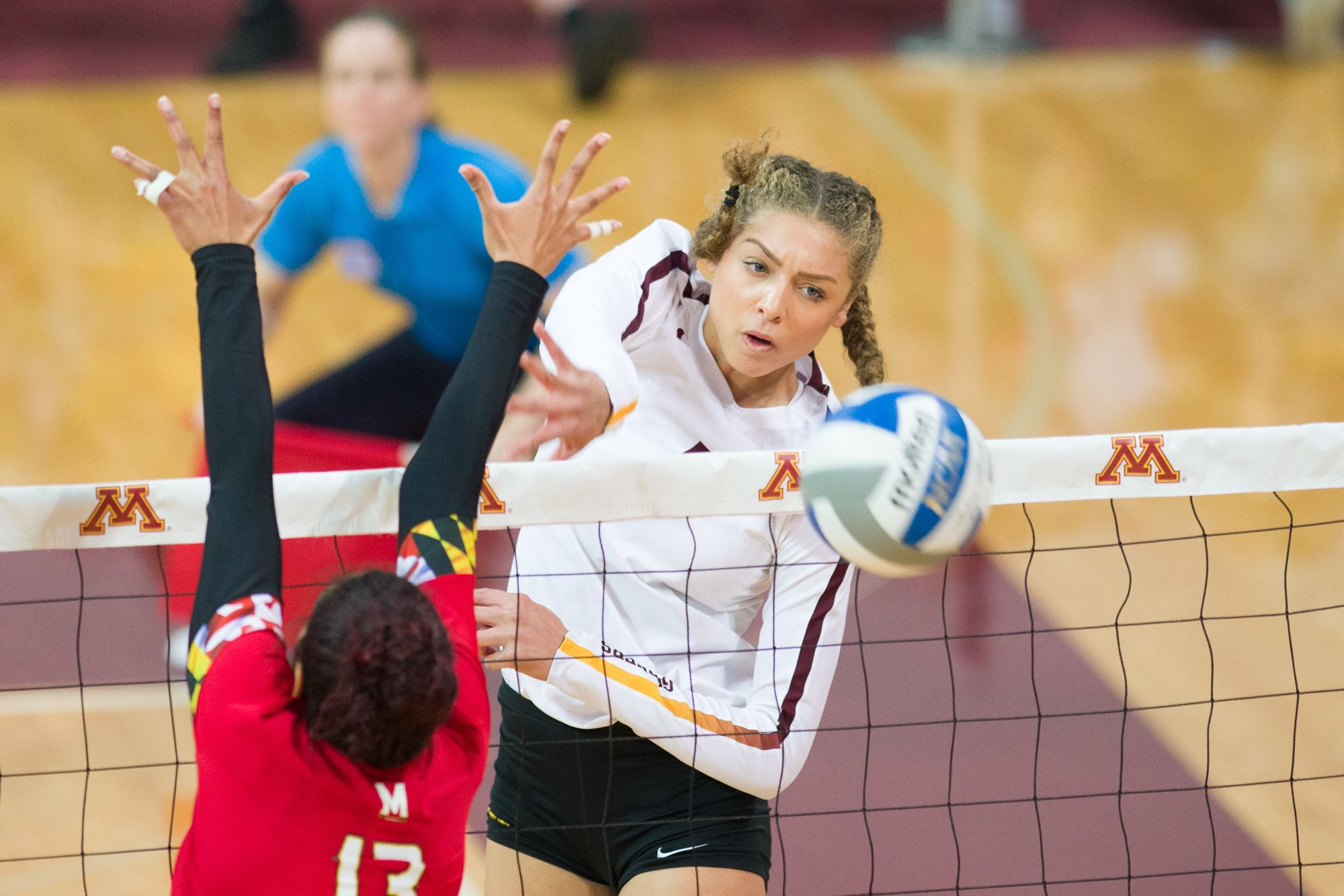 Gopher Volleyball Outside Hitter Jasmyn Martin Is One Of 24 Student Athletes To Compete With Usa Voll Usa Volleyball Professional Volleyball Players Volleyball