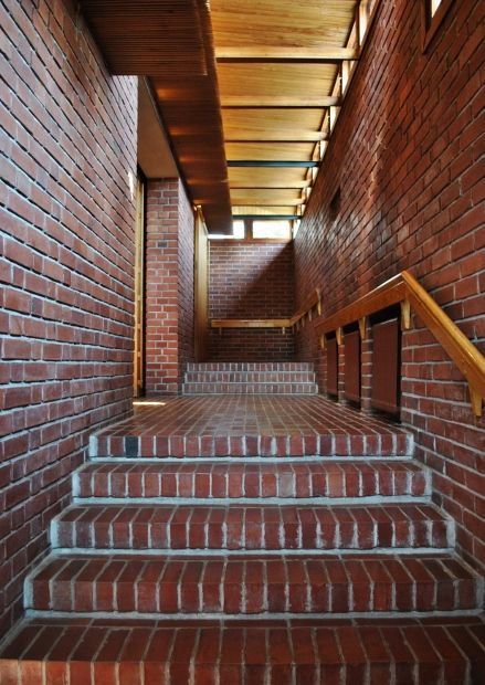 Alvar Aalto: Säynätsalo's Town Hall in Säynätsalo, Jyväskylä, Finland @Talotarinat
