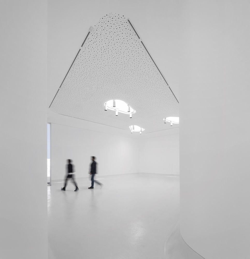 Gallery of Transforma Art Studios / Pedro Gadanho + CVDB arquitectos - 2