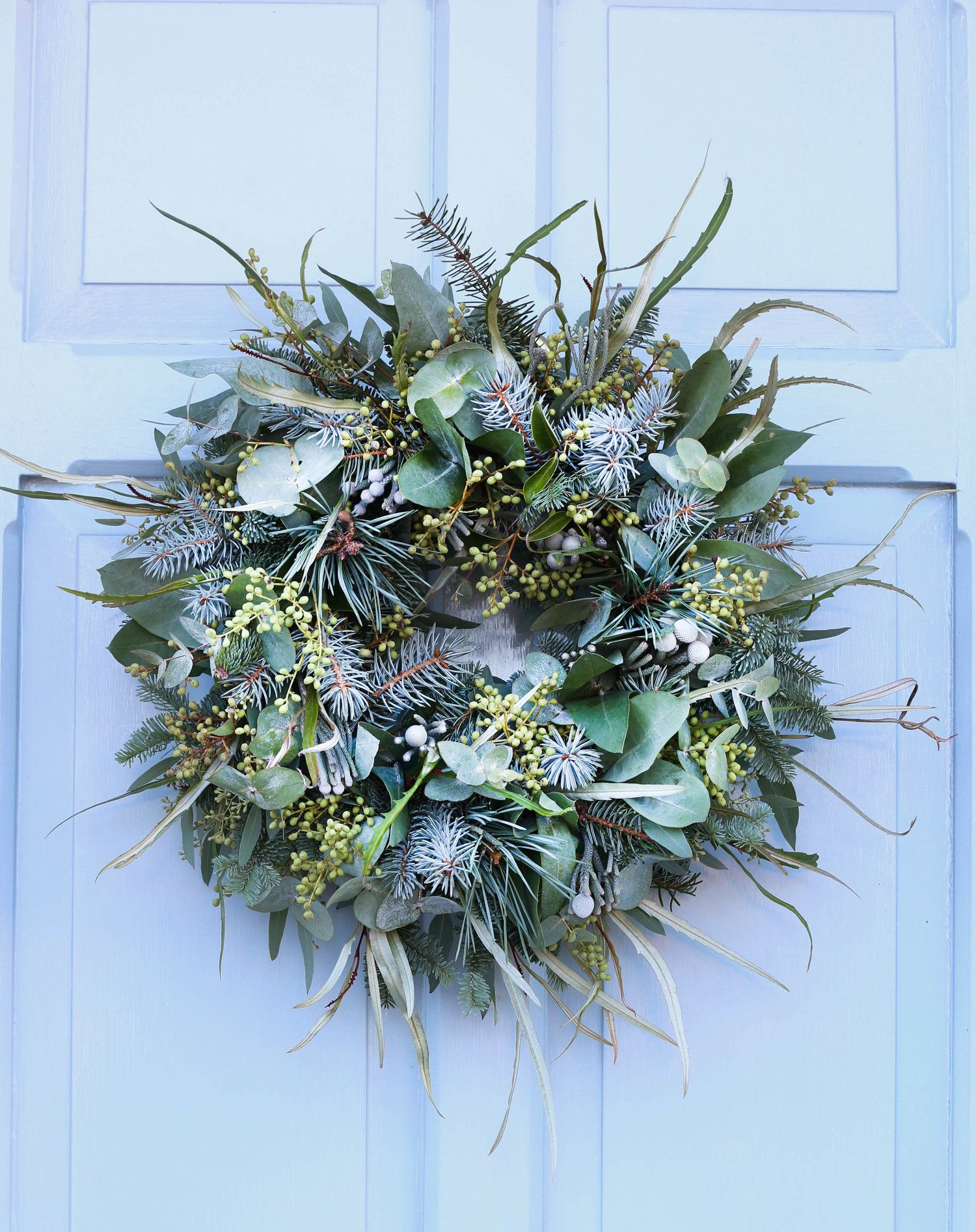 All foliage, textured Christmas Wreath | Christmas wreaths, Natural christmas wreaths, Christmas wreaths diy