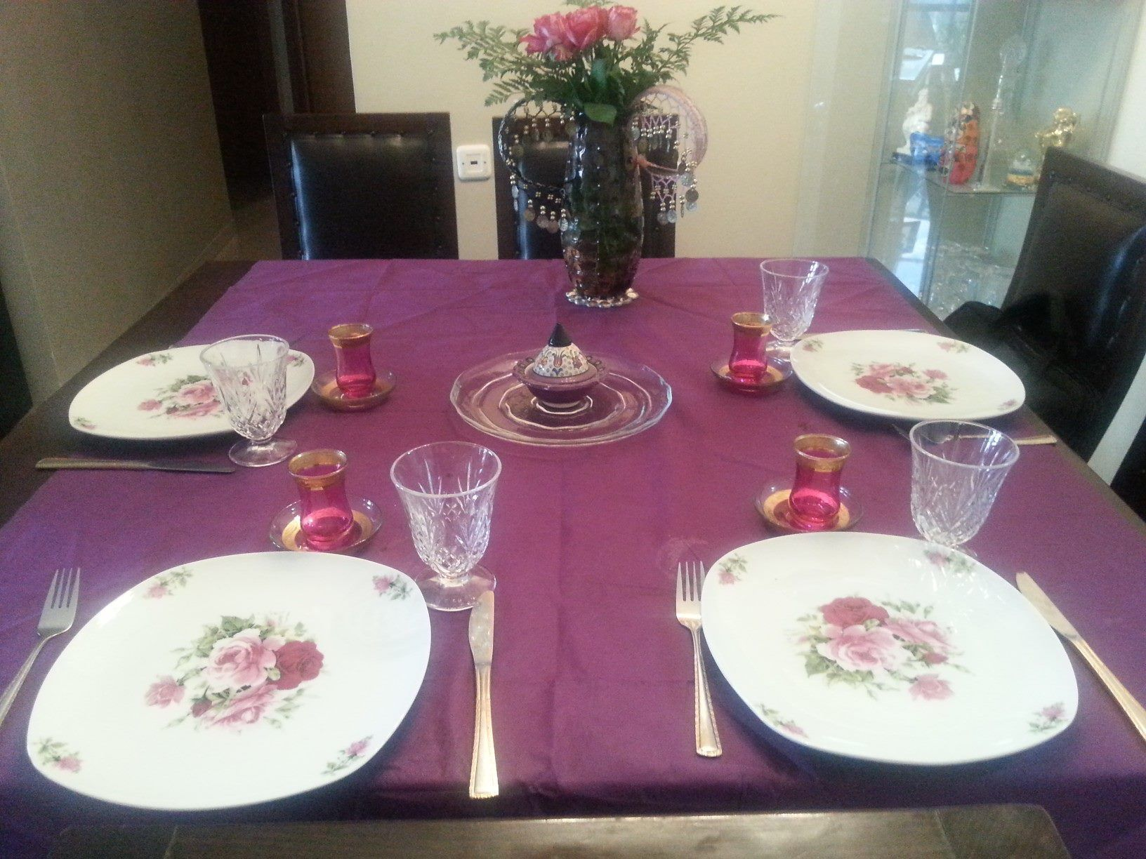 Violet Wishes Table for Shabat